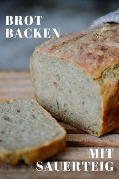 Brot backen ist einfach und Du weisst genau was wirklich in Deinem Brot drinsteckt. Hier findest Du ein einfaches Rezept für ein leckeres Brot. Fabulous Foods, Easy Peasy, Banana Bread, Good Food, Brunch, Cooking Recipes, Vegetarian, Favorite Recipes, Breakfast