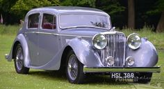 1947 Jaguar Mark IV 3.5 Litre Saloon (would love this in black...tis beautiful)