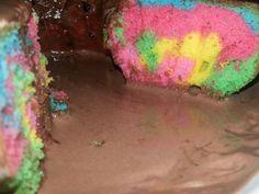 Olha que delícia essa Receita de Bolo Arco-Íris Fácil De Liquidificador: http://receitasdebolo.com.br/bolo-arco-iris-facil-de-liquidificador/ ----- Para Ver Mais Receitas Deliciosas: Acesse!  http://receitasdebolo.com.br