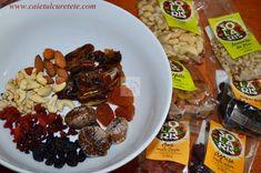 Batoane energizante cu fructe (raw-vegane) - CAIETUL CU RETETE Vegan Sweets, Raw Vegan, Deserts, Healthy Eating, Beef, Chicken, Food, Diet, Eating Healthy