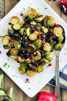 These Easy Roasted Brussels Sprouts with Honey and Mustard is one of my go-to side dishes. A sprinkle of toasted pine nuts and pomegranate arils make this a festive holiday side dish. #brusselssprouts #roastedbrusselssprouts #bakedbrusselsprouts #sidedish #christmassidedish Baked Brussel Sprouts, Brussels Sprouts, Side Dish Recipes, Dinner Recipes, Roasted Carrots And Parsnips, Mustard Recipe, Christmas Party Food, Holiday Side Dishes, Easy Delicious Recipes