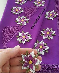 Sipariş ve bilgi için @kokoshobiler… Beaded Flowers, Crochet Flowers, Filet Crochet, Eminem, Needlework, Free Pattern, Like4like, Crochet Patterns, Diy Crafts