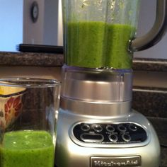 """""""Green Smoothie"""" with spinach, bananas, pineapple & almond vanilla milk! Smoothie Recipes, Smoothies, Vanilla Milk, Juicing, Eating Healthy, Bananas, Spinach, Pineapple, Almond"""