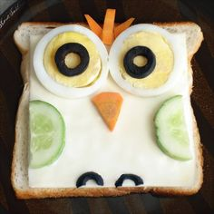 Little Food Junction: Zoo sandwiches. Owl sandwich- brown bread topped with cheese, egg slices, olive , carrot & cucumber. Food Art For Kids, Cooking With Kids, Cute Food, Good Food, Yummy Food, Healthy Food, Sandwich Original, Food Humor, Creative Food