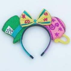 Im obsessed with these ears! Disney Minnie Mouse Ears, Diy Disney Ears, Disney Diy, Disney Crafts, Mickey Ears Diy, Disney Ears Headband, Disney Headbands, Ear Headbands, Disney Halloween