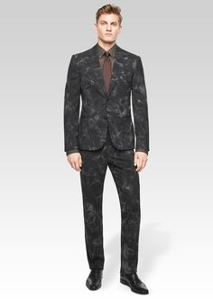 Enhance your concept of a suit with the incredible Marocco print. Get more #Versace Men's new season looks on versace.com