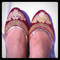 Final Price 🔴 Maroon velvet shoes With gold embellish work and thread work . Pls see last pic for colors available . Other styles also available check out my closet                      👍 They tend to stretch after 4-5 uses.                    👍Very comfortable and classy . Shoes Flats & Loafers