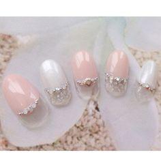 「#Nail#Gelnail#Nailart#Pink#White#Shell#French#Summer#Spring#ネイル#ジェルネイル#ネイルアート#ピンク#ホワイト#フレンチ#シェル#貝殻#白#夏ネイル#春ネイル#シルバー#Silver#美甲」