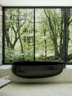Pietraluce® bathtub BEYOND by GLASS IDROMASSAGGIO | design Claudia Danelon, Federico Meroni