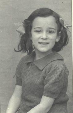 Kira Zylberszac older sister of Serge Zylberszac. Murdered in Auschwitz on August 19, 1942 at age 7.