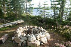kivistä tehty nuotiopaikka
