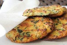 Karfiolové placky v rúre Czech Recipes, Raw Food Recipes, Vegetable Recipes, Meat Recipes, Vegetarian Recipes, Cooking Recipes, Healthy Recipes, Healthy Cooking, Healthy Snacks