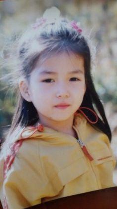 Little Kim Sojung predebut Cute Chinese Baby, Chinese Babies, Eun Ji, Film Aesthetic, Aesthetic Girl, Kpop Girl Groups, Kpop Girls, Gfriend Profile, Gfriend Sowon