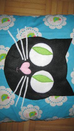 Cat pillow / kat kussen