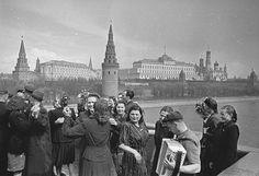 Swing dancing in 30s-40s Soviet Russia