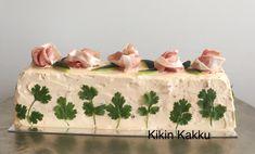Kinkkuvoileipäkakku. Sandwich cake with ham.