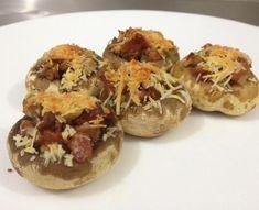 Cogumelos recheados com bacon