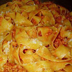 Come preparare Pasta con salsiccia col Bimby della Vorwerk, impara a preparare deliziosi piatti con le nostre ricette bimby