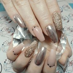 Beautiful And Stylish Nail Art Ideas Hot Nails, Pink Nails, Hair And Nails, Classy Nail Designs, Nail Art Designs, Design Art, Gold Nail Art, Nagellack Trends, Oval Nails