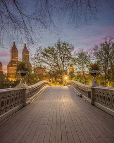 Top Spots to Photograph New York City. New York City which provides endless opportunities to photography lovers. Here are top 10 instagram spots of NYC.