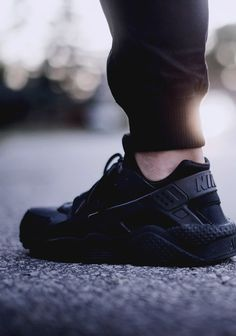 Nike Air Huarache All Black