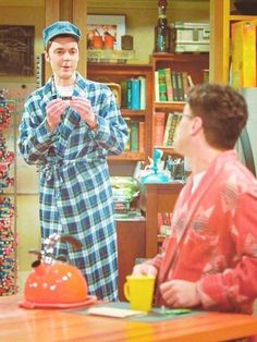 The Big Bang Theory Sheldon and Train lovee #SheldonCooper #Tag #Pingood #TBBTPhoto Train love,funny Sheldon