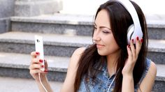 7 Podcasts Every College Student Needs To Subcribe to