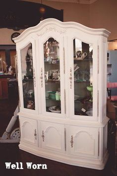This Drexel China Cabinet gets a new look with Chalk Paint® decorative paint by Annie Sloan in Old White and Clear Wax.  The insides are painted in Chateau Grey.