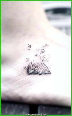 Awesome book tattoos for literature lovers - minimalist . - Awesome book tattoos for literature lovers – minimalist book tattoo © tattooist Kyli_Fourie Form Tattoo, Shape Tattoo, Tattoo Motive, Color Tattoo, Mini Tattoos, Sexy Tattoos, Body Art Tattoos, Tatoos, Inspiration Tattoos