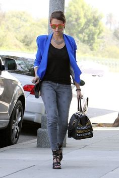 jessica alba <3 Fashion Style. What to wear with a bright jacket.