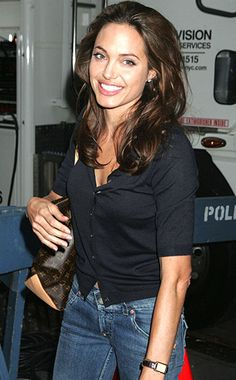 It Seriously Pays to Be as Beautiful as Angelina Jolie - Many moons ago when sh. - It Seriously Pays to Be as Beautiful as Angelina Jolie – Many moons ago when she wore jeans all - Angelina Jolie Fotos, Angelina Jolie Pictures, Angelina Jolie Style, Brad And Angelina, Celebrity Babies, Celebrity Style, Celebrity News, Beautiful Celebrities, Beautiful Women
