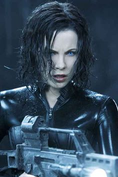 Kate Beckinsale young photos best and new movies tv shows early acting career body measurements height weight hair color. Underworld Vampire, Underworld Selene, Underworld Movies, Underworld Characters, Vampire Tumblr, Underworld Kate Beckinsale, Danger Girl, Vampires And Werewolves, Vampire Academy