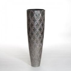 ETERNAL MEDIUM vase pattern platinum and MOP. #Cravt #DKhome #Craftsmanship #Living #Vases #Motherofpearl
