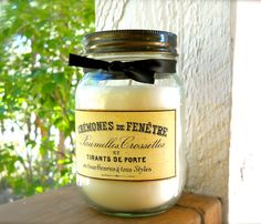CINNAMON & BALSAM 16 oz large Candle smells like walking into your favorite craft store during the Holidays, with those cinnamon broom sticks and evergreen wreath fragrances mingling all around you!