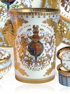 Diamond Jubilee Lionhead Beaker ~ To celebrate the glorious occasion of the Diamond Jubilee of Her Majesty Queen Elizabeth II Good China, House Of Windsor, Queen Elizabeth Ii, British Royals, Make It Yourself, Mugs, Diamond, Antiques, Tableware