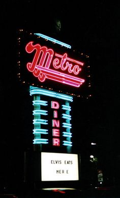 Metro Diner, Route Tulsa, Oklahoma (demolished) Miss their food! Tulsa Oklahoma, Oklahoma City, Metro Diner, Tulsa Time, Roadside Signs, Vintage Neon Signs, Old Signs, Neon Lighting, Amazing Things