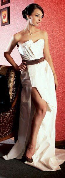 Корсетное Свадебное платье Nataly Birger из шелковой тафты со съемной юбкой-шлейфом.