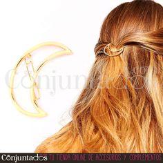 El pasador Luna es un adorno monísimo para el pelo, ¿verdad? ★ Precio: 4,95 € en http://www.conjuntados.com/es/para-tu-pelo/pasadores-y-horquillas/pasador-de-pelo-luna.html ★ #novedades #paratupelo #pasador #luna #moon #accesorios #complementos #estilo #style #moda #fashionadicct #picoftheday #outfit #estilo #style #GustosParaTodas #ParaTodosLosGustos