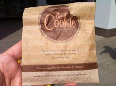 The signature chocolate chip cookie. Have you tried one yet? so so good but can't eat them anymore:( Doubletree Cookies, Best Cookies Ever, Have You Tried, Chocolate Chip Cookies, Fun Facts, Drink, Eat, Food, Beverage