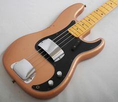 """Fender Custom Shop '70s Precision Bass Relic (Copper) - We have here a really super bass, a limited production '70s P-Bass made for especially for the Messe music show in Frankfurt. Featuring an extra-light two-piece Ash body- a world away from the very heavy Ash that Fender often used in in this period. The neck is one-piece quartersawn Maple with a custom Pino Palladino profle measuring .860"""" at the 1st fret and .985"""" at the 12th fret. £2599 #fender #bass #guitar #customshop #precision…"""