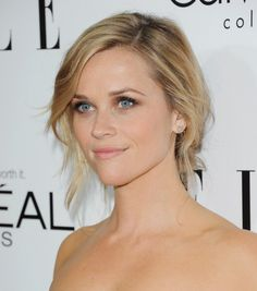 Makeup artist Molly Stern gave Reese a fresh look with a bit of seduction to complement her vibrant red Calvin Klein Collection dress. A smoldering eye, combined with soft peach lip, and flawless complexion, left Witherspoon looking sexy and modern as she was honored at last night's 20th Annual ELLE Women in Hollywood Awards.