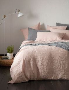 We love this combination of our blush pink and grey charcoal 100% linen. Made with love and care in Portugal.