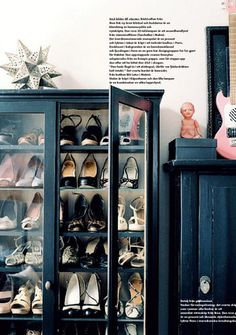 What a cool storage idea. Even if placed inside a roomier walk in closet. Sometimes we can find this bookcases in antique shops and flea markets. I never wanted one for my books and I don't collect small stuff either... But to store my party shoes and clutches, this idea is genius.