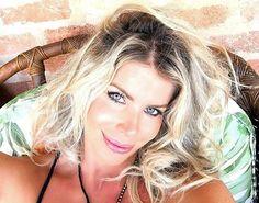 Aos 40 anos, Karina Bacchi está grávida pela primeira vez #Atriz, #Cirurgia, #Foto, #Grávida, #Hoje, #Instagram, #KarinaBacchi, #Ludmilla, #Luz, #M, #Madonna, #Mundo, #Noticias, #RedeSocial, #Separação http://popzone.tv/2017/02/aos-40-anos-karina-bacchi-esta-gravida-pela-primeira-vez.html