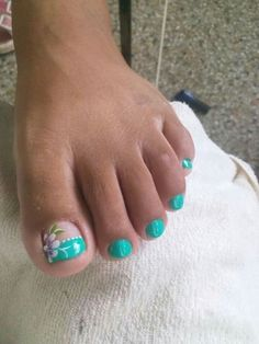 flor de Lis Nail Designs Toenails, Toe Nail Flower Designs, Cute Toe Nails, Toe Nail Designs, Pretty Nails, Jamberry Nails, Gel Nails, Manicure, Nail Polish Art