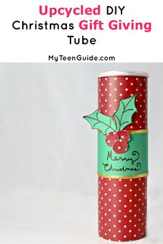 Looking for a cute gift idea? Check out this DIY Chrismas gift giving tube! It's a fun craft for the holidays & super cute too! Super Easy Crafts For Kids, Crafts For Kids To Make, Christmas Crafts For Kids, Diy Christmas Gifts, Creative Gift Wrapping, Creative Gifts, Cute Crafts, Diy Crafts, Gift Wrapping Techniques
