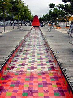 WET design fountain, LisbonExpoWET1.jpg 400×533 pixels