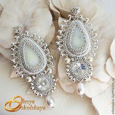 Купить №139 - Свадебные серьги ROYAL IVORY II - белый, Сваровски, svarovski, свадебное украшение
