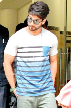 Shahid Kapoor outside the Radio Mirchi studio for the music launch of Haider. #Bollywood #Fashion #Style #Handsome