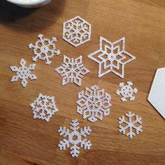 Snowflakes hama perler beads by hejlaurafischer